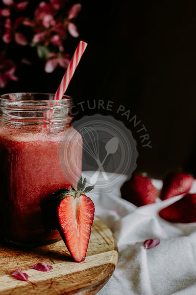 Healthy Strawberry Smoothie in Mason a Jar Mug