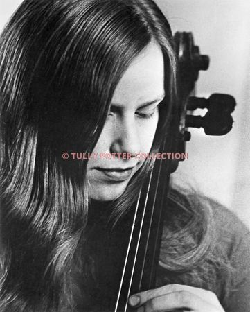 T16310_Jacqueline_Du_Pre_English_cellist
