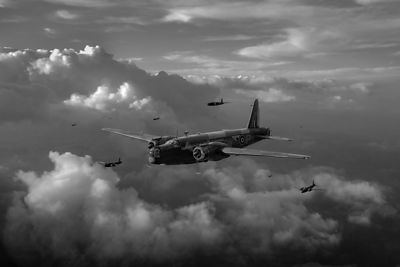 Vickers Wellingtons B&W version