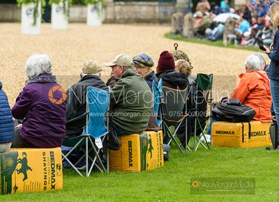 Bedmax benches at the trot up