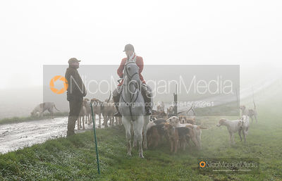 Chris Edwards and hounds at the meet - The Cottesmore Hunt at Withcote 30/11