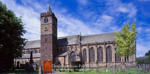 Image - Dunblane Cathedral, Panoramic, Scotland
