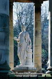 Image - Statue of Hygeia at St Bernard's Well, Stockbridge, Edinburgh
