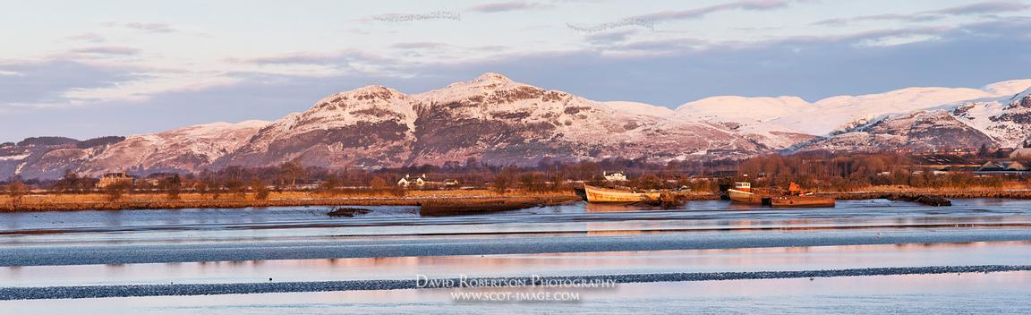Image - Dumyat and the Ochil hills across the River Forth, Panorama
