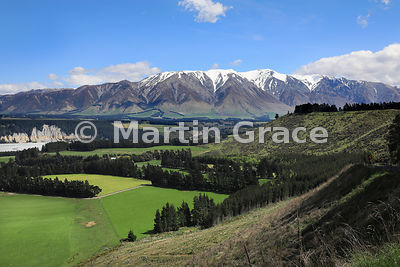 Southern end of Rakaia Gorge with Mount Hutt range beyond, Rakaia River, Canterbury, South Island, New Zealand