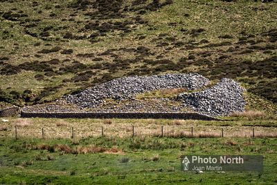 KINGSDALE 25A - Apron full of Stones