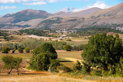 070911-21_Majella_075 View from Tussio of Castelnuovo with Mt Selva in the distance.