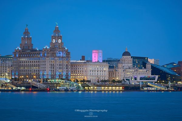 Three Graces at Twilight