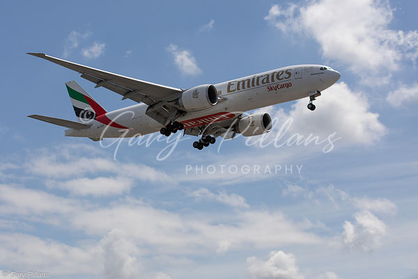 Emirates Skycargo Boeing 777 A6-EFK landing London Heathrow