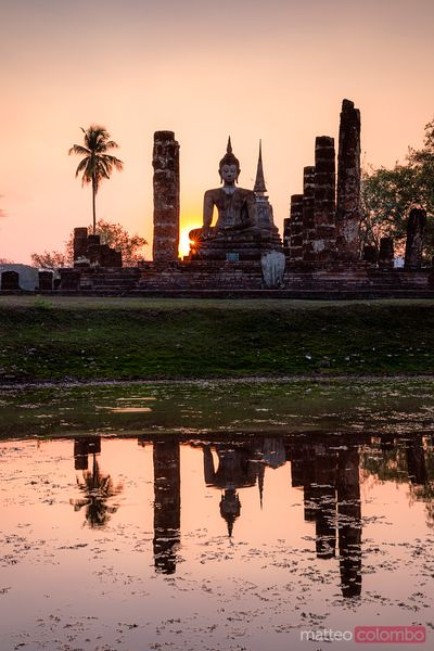Wat Mahathat temple at sunset, Sukhothai, Thailand