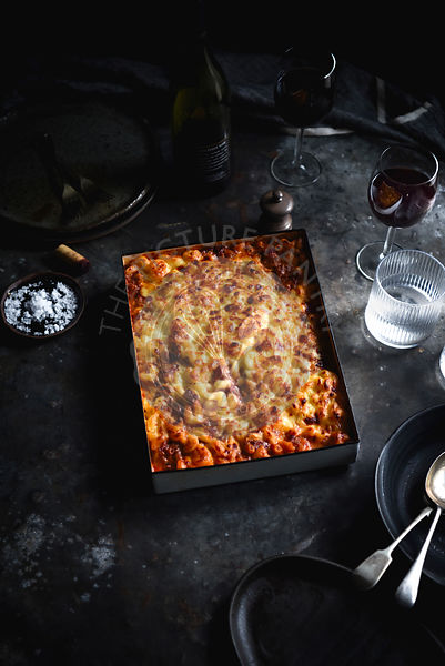 Macaroni and cheese bolognese bake