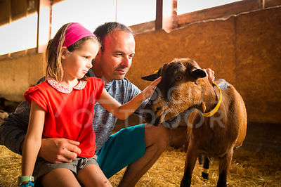 ferme-famille-HD_focus-outdoor-0004