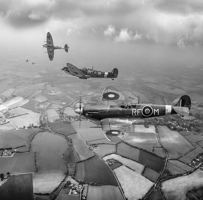 303 Squadron Spitfire sweep B&W version