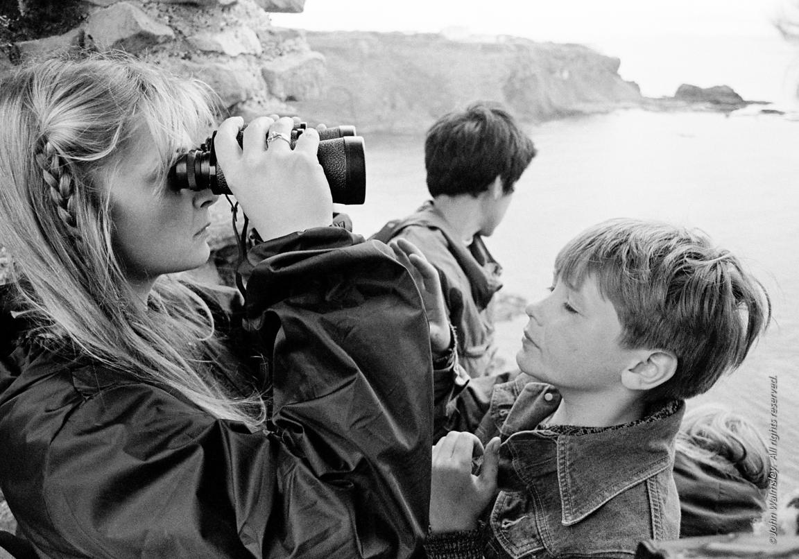 #75763  Kids from Wester Hailes taken by Youth Workers on a visit to Tantallon Castle North Berwick, East Lothian, Scotland, ...