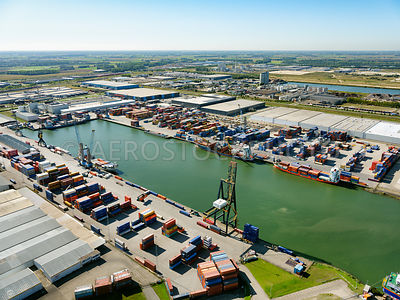 Port of Moerdijk, container terminal at the Central Portside (Centrale Insteekhaven) | 306183