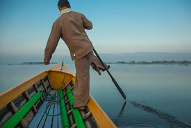 One Leg Rowing Technique - Myanmar (Burma) 2014
