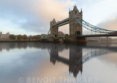 Reflet sur Tower Bridge