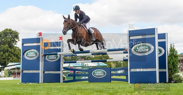 Piggy French and VANIR KAMIRA - Show jumping and prizes - Land Rover Burghley Horse Trials 2019