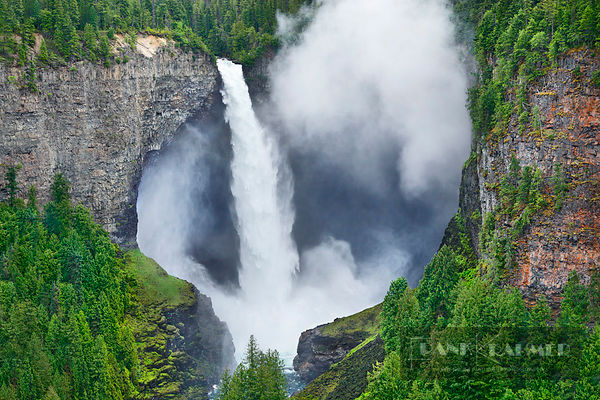 Waterfall Helmcken Falls - North America, Canada, British Columbia, Thompson-Nicola, Clearwater, Wells Gray Provincial Park, ...