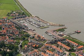 Luchtfoto Marken - Haven