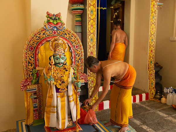 Hindu Sri Mariamman Temple. Chinatown. SingaporeSouth East Asia