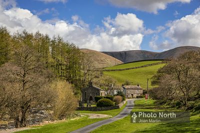 HOWGILL 04A - The hamlet of Howgill