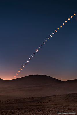 2019 - Chile - Vinita Baja - Multiple exposure of the total solar eclipse