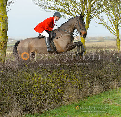 Alan Kasket jumping a hedge at Sheepwash