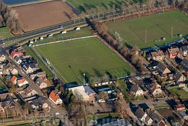Hellouw - Luchtfoto voetbal A.S.H.