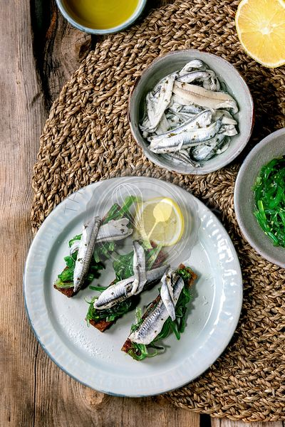 Sardines and Wakame salad appetizers