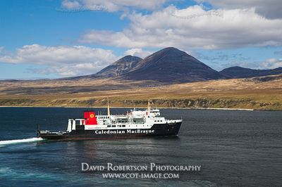 Image - Caledonian MacBrayne ferry and Paps of Jura