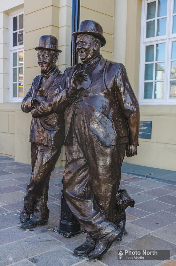ULVERSTON 05B - Laurel and Hardy Statue