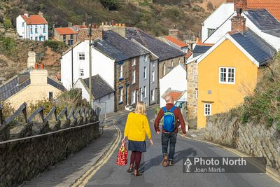 STAITHES 01A - The coastal village of Staithes