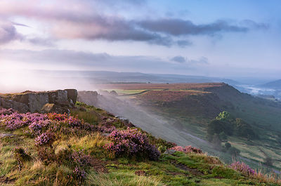 Misty edge | Curbar Edge in morning mist