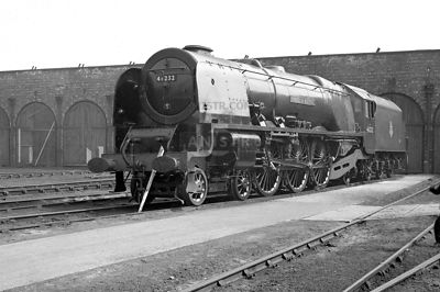 PHOTOS OF STANIER 8P CORONATION CLASS 4-6-2 STEAM LOCOS