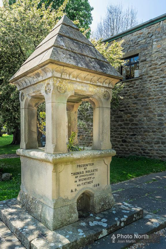 LONG PRESTON 13A - Drinking fountain