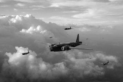 Vickers Wellington X3814 PT-P BW version