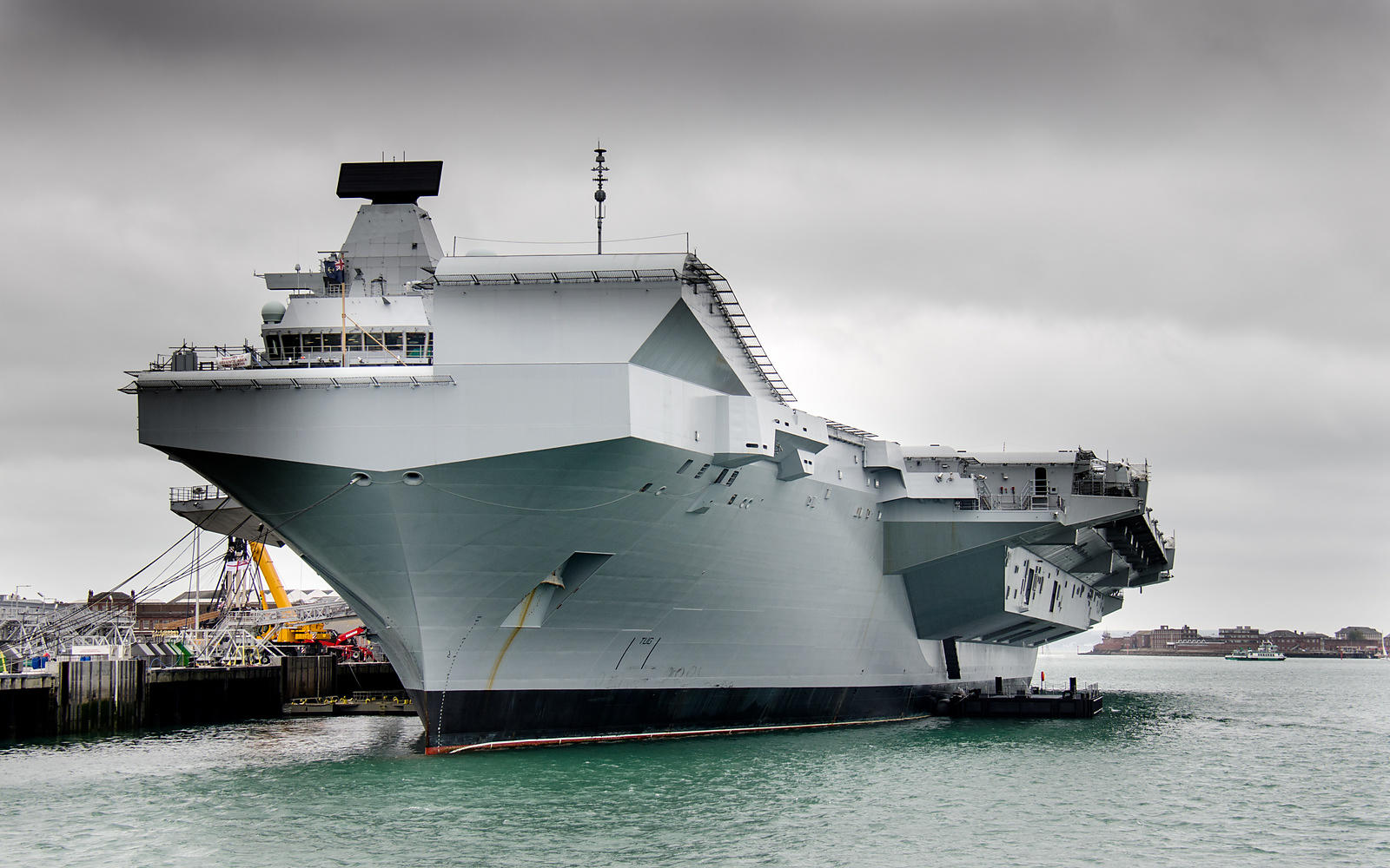 Aircraft Carrier Elizabeth, Portsmouth