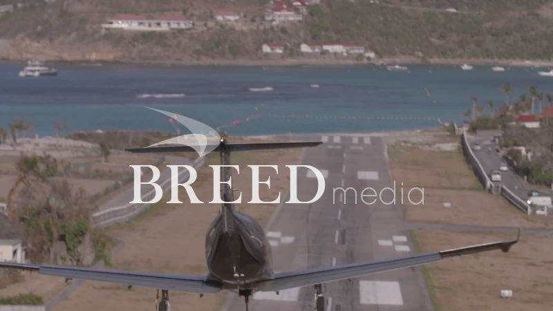 BMS001_018_HD_50fps_Plane_landing_at_Saint_Barthemely_airport_02