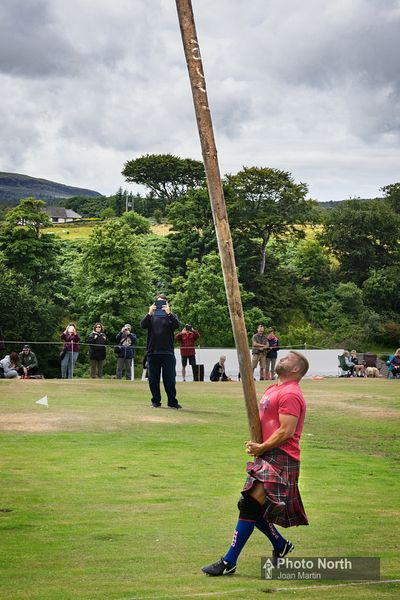 CABER TOSSING 04A - Mull and Iona