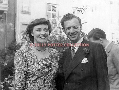 T16160_Kathleen_Ferrier_English_contralto_Benjamin_Britten_English_composer
