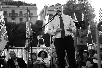 Nichi Vendola delivering a speech.