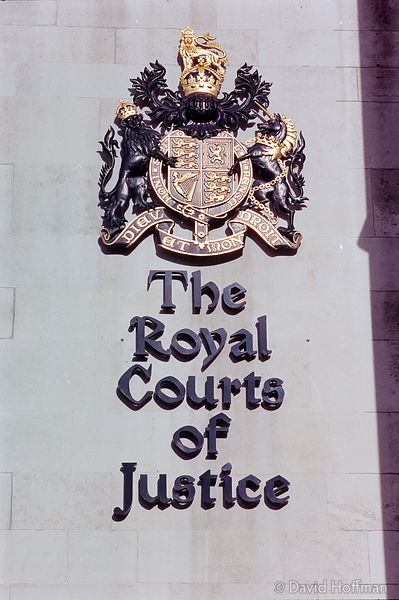 YZ92-26 Royal Courts Of Justice