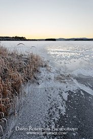 Image - Ice covered Lake of Menteith