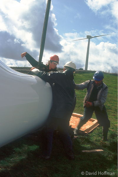 Engineers And Turbine Blade