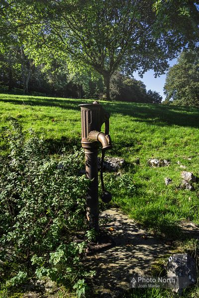 YEALAND CONYERS 20A - Old Village Pump