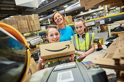 UNP - Amazon EDI4 - 39825..Helen Drylie (dryhelen) with pupils Morgan Archibald (10) and Mckenzie Moffat (10)..