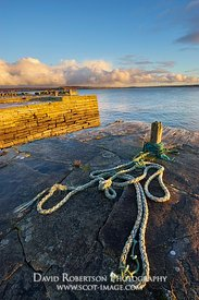 Image - Old rope and bollard at Castlehill harbour, Castletown, Caithness, Scotland