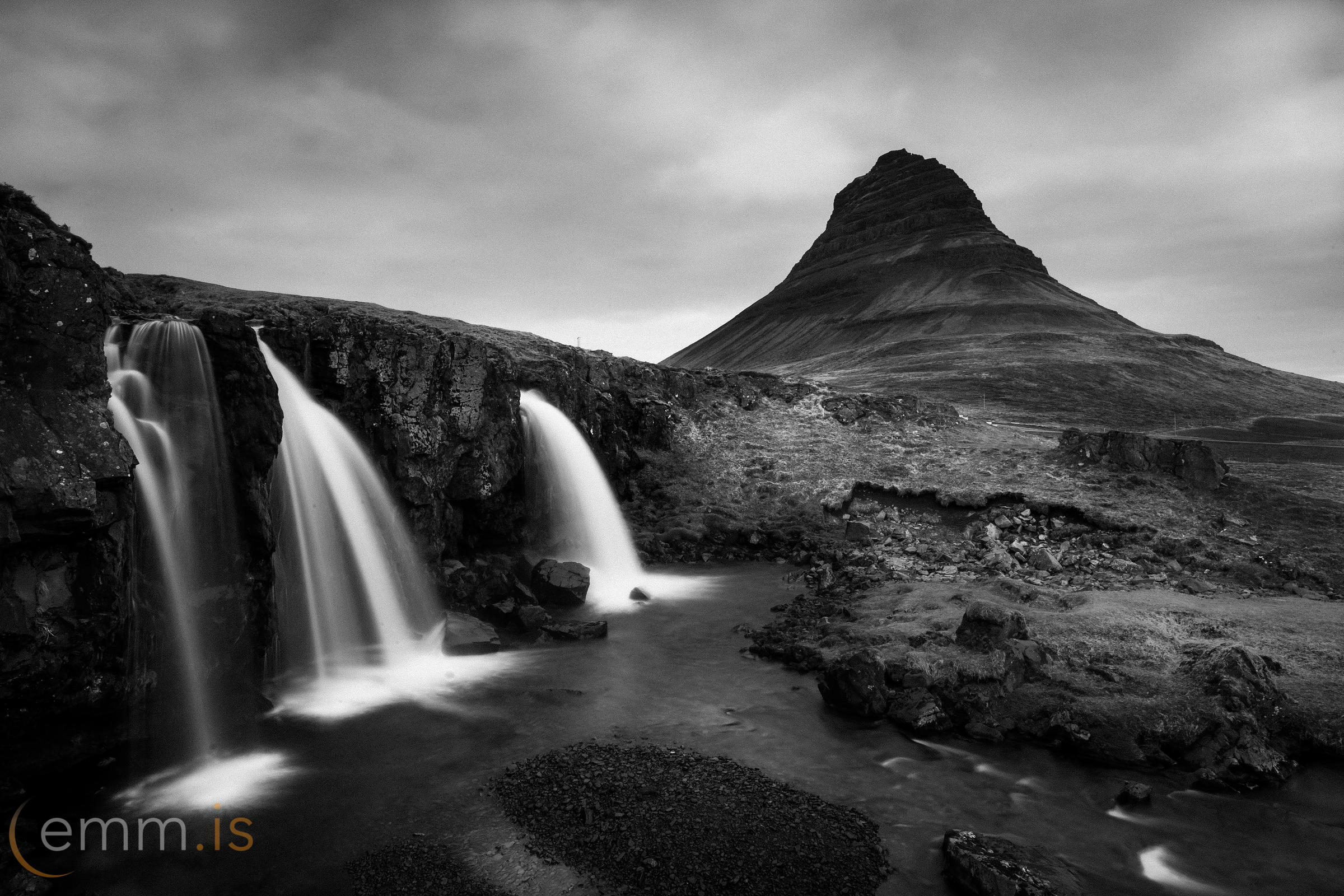 Kirkjufellsfoss_waterfall_Iceland_emm.is-45