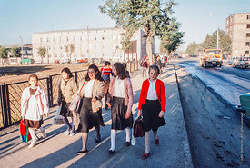 #4636,  Students arriving at The Lord Byron School, Leninakan (now Gyumri), Armenia.  At 11.41am on the 7th December 1988, Ar...